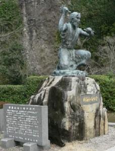 禅海和尚の像